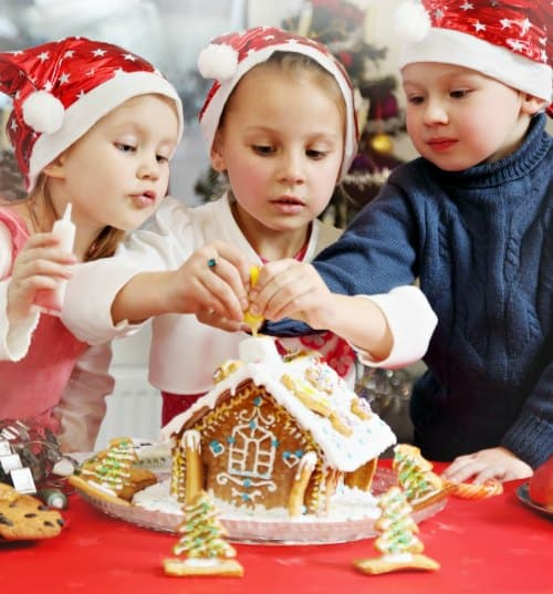Christmas traditions to start with your kids this year - holiday bucket list for families.