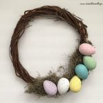 How To Make A Cute Easter Egg Wreath