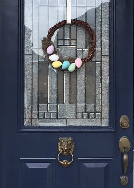 DIY Easter wreath using items from the dollar store. Dollartree easy Easter egg wreath