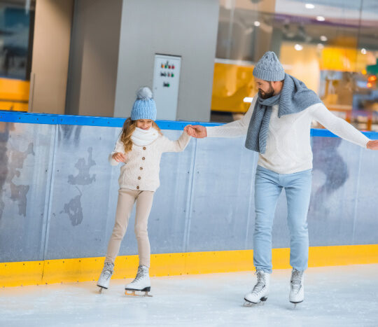 father and daughter ice skating date